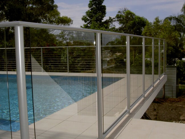 Pool fences brisbane glass pool fencing solutions brisbane for Pool fence design qld