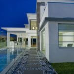 Attractive Glass Pool Fencing for Home